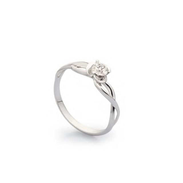 Золотое кольцо женское с бриллиантом 46112000