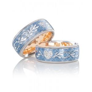 Золотое обручальное кольцо с эмалью 415160