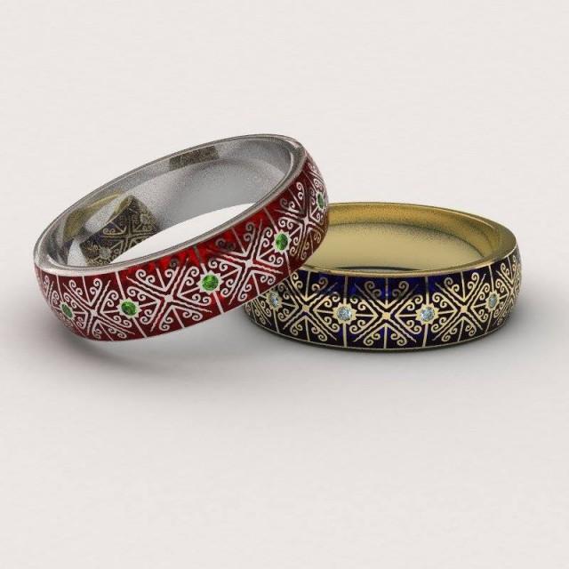 Золотое обручальное кольцо с эмалью 410187