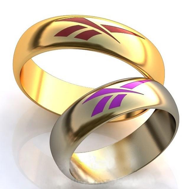 Золотое обручальное кольцо с эмалью 415105