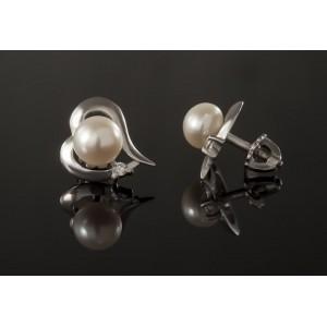 Серебряные серьги-гвоздики с жемчугом 2267/9р Сердце с жемчугом