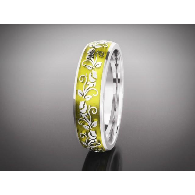 Золотое обручальное кольцо с эмалью 16001