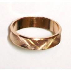 Золотое обручальное кольцо с єффектом 3D