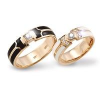 Золотое обручальное кольцо с эмалью 415106