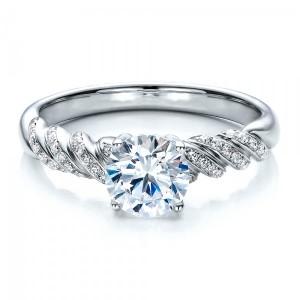 Золотое кольцо для помолвки 82-1