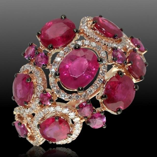 Золотое кольцо с цирконами 140070