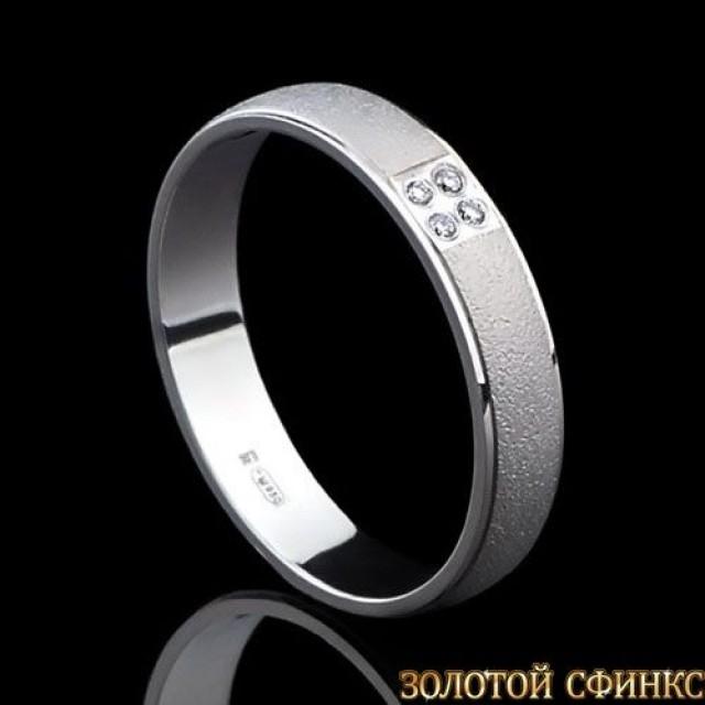 Обручальное кольцо из платины с бриллиантами 091005