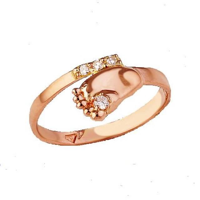 Золотое кольцо в виде ножки