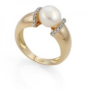 Золотое кольцо с вставками из циркония и жемчуга 11326610