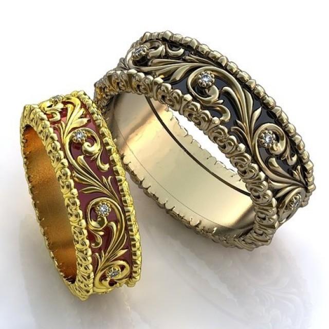 Золотое обручальное кольцо с эмалью 410145