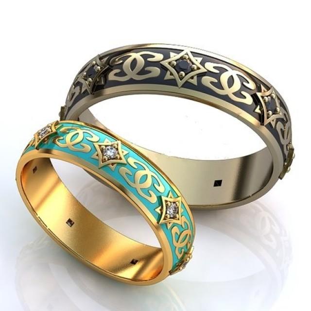Золотое обручальное кольцо с эмалью 410150