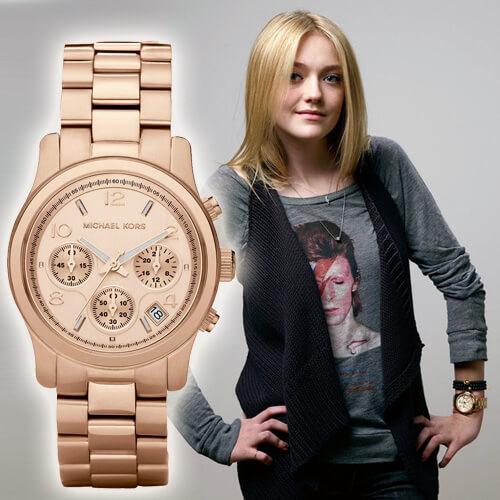 какие часы носит дакота феннинг