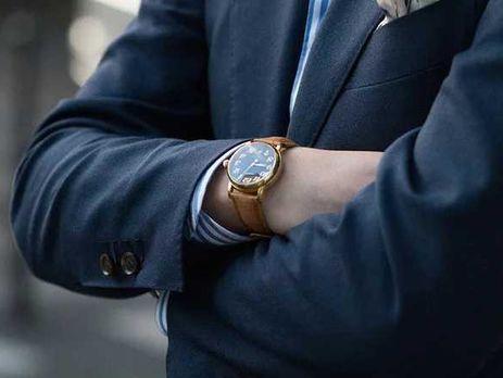 кто носит часы на правой руке