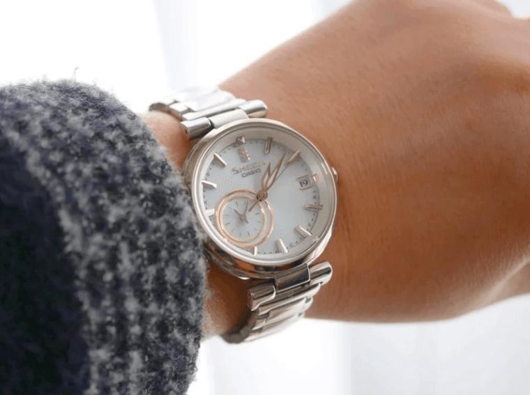 женские модные часы касио