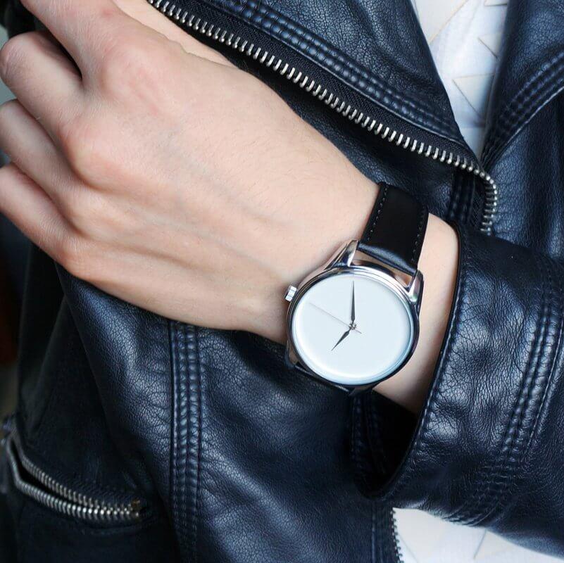 женские модные часы минимализм