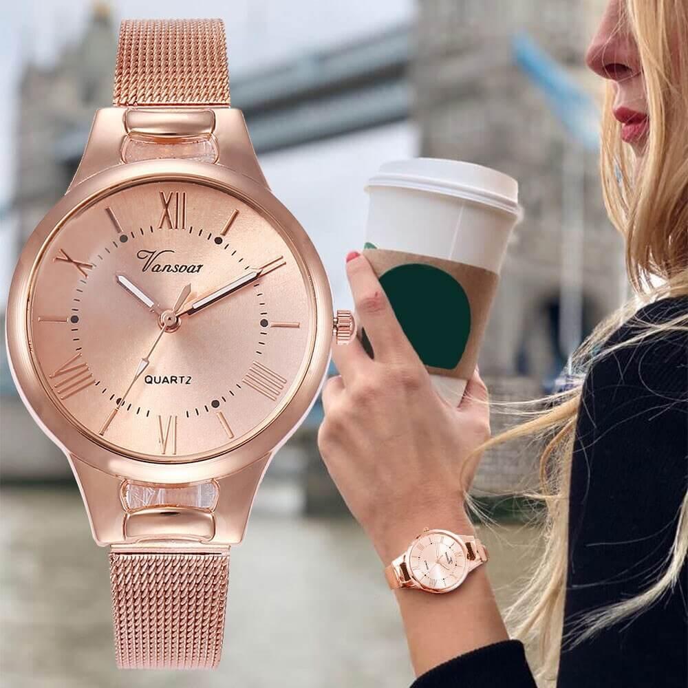 женские модные часы золотые